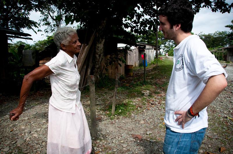 """PBI acompaña a la Comisión Intereclesial de Justicia y Paz desde 1994. Apóyanos en el acompañamiento a defensores de derechos humanos, haz una donación. Tu aporte es muy valioso para que podamos continuar acompañando a las organizaciones defensoras de derechos humanos en Colombia. <a href=""""http://www.pbi-colombia.org/field-projects/pbi-colombia/donate-to-pbi/"""">http://www.pbi-colombia.org/field-projects/pbi-colombia/donate-to-pbi/</a>"""
