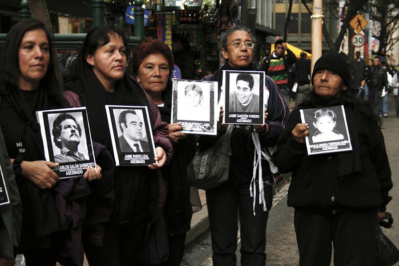 Activistas de organizaciones de mujeres de la localidad de San Cristobal (Bogotá). <br /> Foto: PBI Colombia