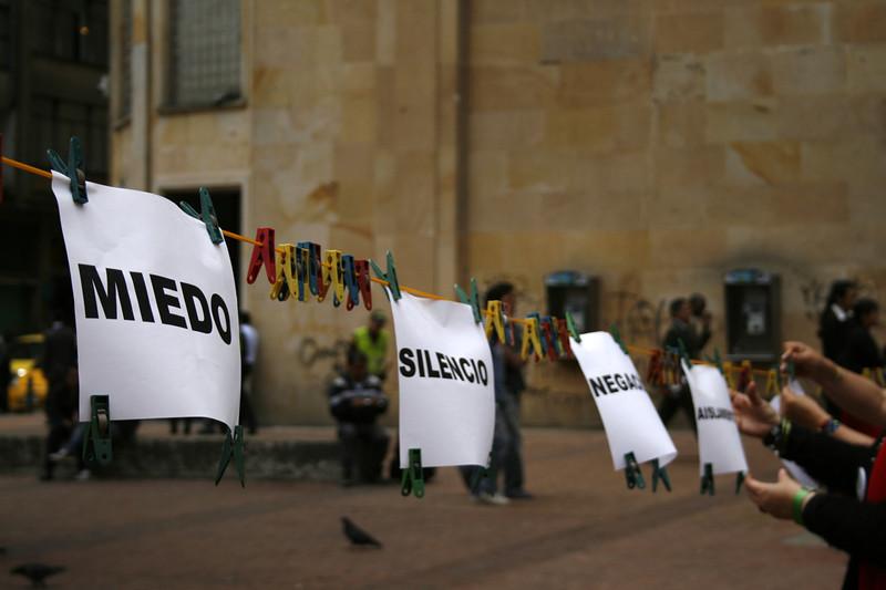 El arte, el teatro, la música y el grafiti sirvieron a las víctimas y al conjunto de la sociedad colombiana para destapar el silencio, el miedo y la estigmatización que impone el conflicto armado en Colombia. <br /> Foto: PBI Colombia