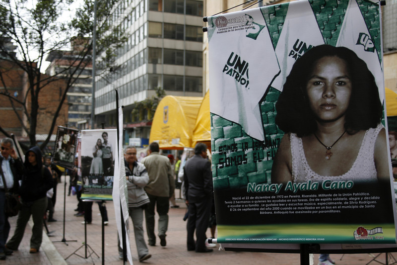 El partido político la Unión Patriótica nació en 1985 como resultado de los acuerdos de paz entre el gobierno  y la guerrilla de las Farc. El experimento terminó con el asesinato de miles de miembros de la UP, otros exiliados y amenazados.<br /> Foto: PBI Colombia