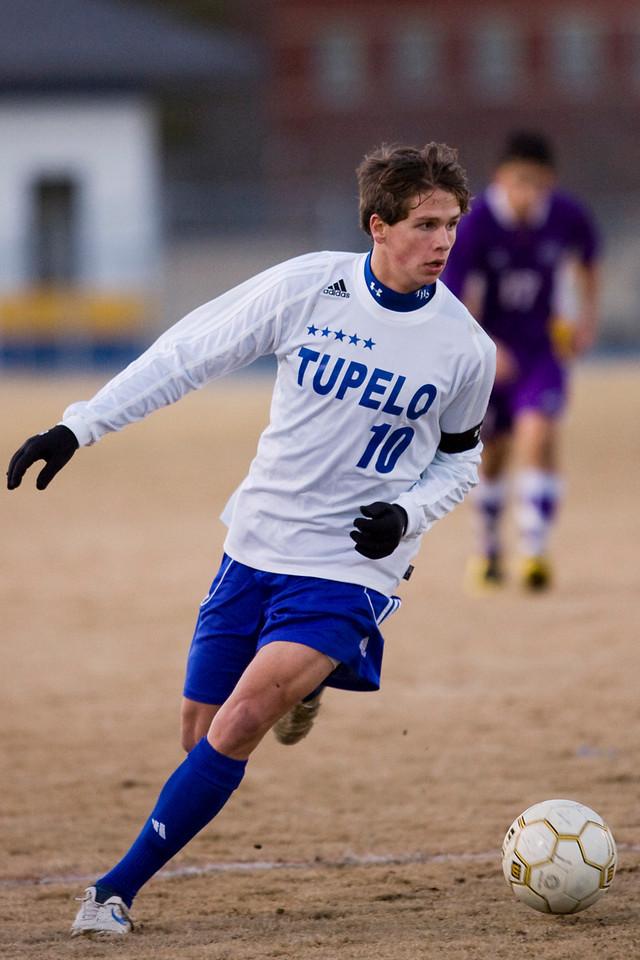 Tupelo's Rich Heyer breaks free for a score against Desoto Central