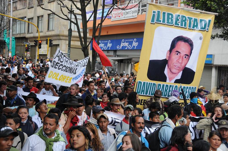 Desde la encarcelación de Ravelo, miembros de organizaciones sociales han realizado varias marchas para pedir la liberación de este defensor de derechos humanos.