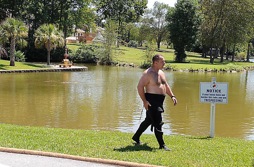 GWINN DAVIS PHOTOS gwinndavis@gmail.com  (e-mail)  (864) 915-0411 (cell) gwinndavisphotos.com (website) Gwinn Davis (FaceBook)