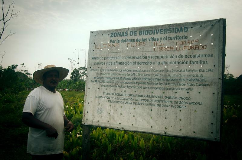 La finca de Eustaquio ha sido declarada Zona de Biodiversidad, es decir, una área de protección y recuperación de los ecosistemas nativos afectados por la explotación a gran escala de maderas, ganadería extensiva y monocultivo de palma aceitera. Y, también como espacio de promoción de la soberanía y seguridad alimentaria.