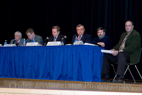 The distinguished panel of experts and elected officials respond to questions and comments from the residents.