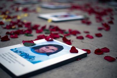 En Colombia, en el marco del conflicto armado, más de 50.000 personas* han sido arrebatadas de sus hogares y desaparecidas forzosamente, una realidad aún invisible pese a la cifra escalofriante. (*Centro Nacional de Memoria Histórica).