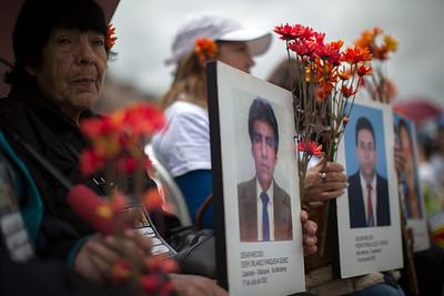 """""""A los desaparecidos no les olvidaremos en la paz. ¿Donde están?"""""""