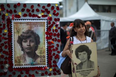 """""""Hoy se cumplen 29 años de la desaparición de Nydia Érika, no deja de darnos tristeza a pesar de que hemos encontrado su cuerpo, pero nos golpea la impunidad, la persecución, que hombres estén vigilando nuestras actividades en estos días"""". Yanette Bautista, hermana de Nydia Erika."""