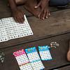 ...jugando al bingo...