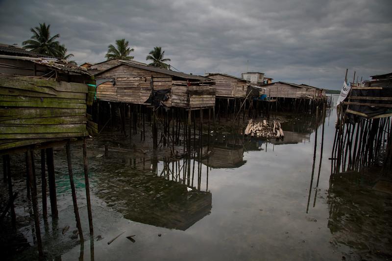 Hace dos años los pobladores de un barrio en Buenaventura tomaron el destino en sus propias manos. Pusieron fin a la violencia que hubo en el Puente de los Nayeros y crearon una isla de tranquilidad en medio de una de las ciudades más violentas de Colombia. ¿Quiénes son y cómo lo lograron?