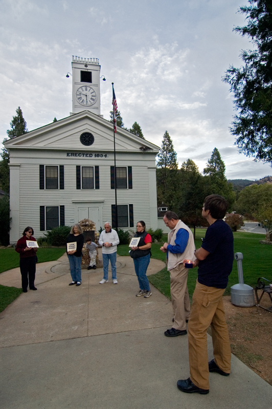 Peace Vigil at Mariposa County Courthouse<br /> 10/26/2005<br /> <br /> Published: Mariposa Gazette 11/2/2005 p. B-7