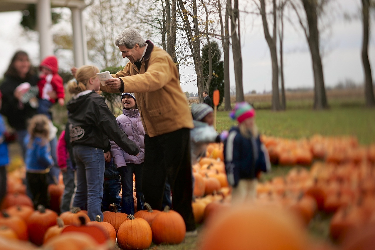 10/16/2004 -- Xenia, OH -- Senator John Kerry visited the Gerringer family pumpkin patch at the home of Larry and Mick Garringer on Saturday afternoon, October 16, 2004. For story about connecting with supporters.  Photo by Dina Rudick, Boston Globe Staff