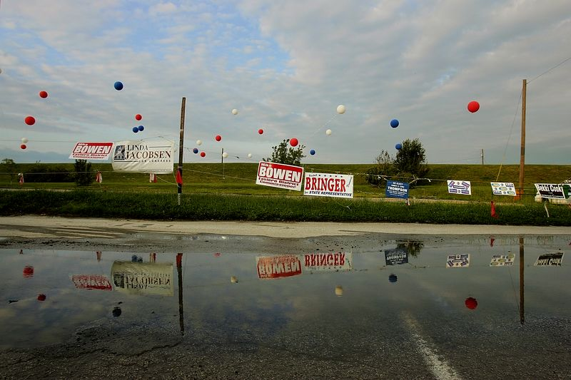 8/4/2004 -- Hannibal, MO -- This is a parking lot near the rally site of a John Kerry for President event on Wednesday evening, August 4, 2004. Photo by Dina Rudick, The Boston Globe.