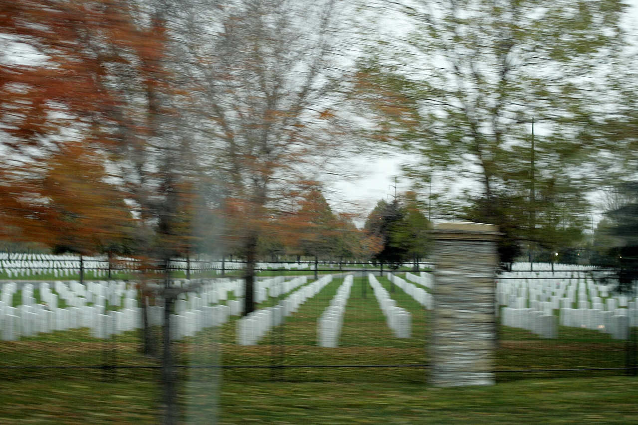 10/21/2004 -- Minneapolis, MN -- This is a view from the bus while in the motorcade en route from the Minneapolis airport to the rally site. Photo by Dina Rudick, Boston Globe Staff