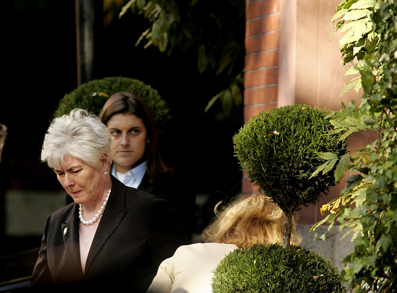 11/3/2004 -- Boston, MA -- Mary Beth Cahill, Kerry's campaign manager, leaves the Kerry residence Wednesday morning before Kerry travelled to Fanieul Hall to deliver a concession speech after losing the presidential election. Dina Rudick, Boston Globe Staff