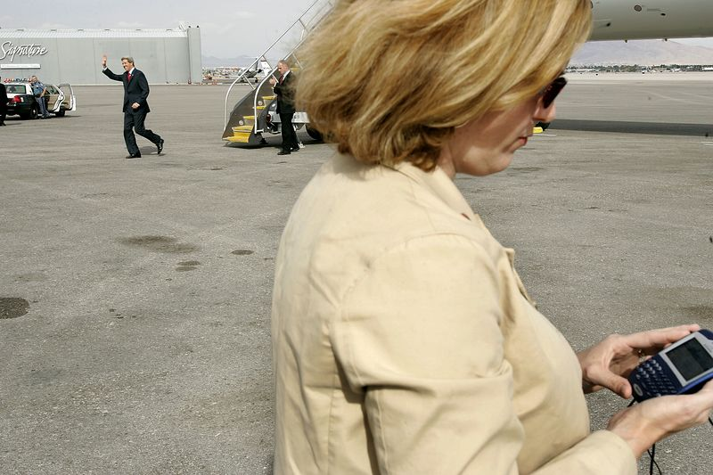 10/26/2004 -- Las Vegas, NV -- Las Vegas McCarran Airport -- Senator John Kerry deplanes in Las Vegas on Tuesday, October 26, 2004. In the foreground is campaign spokeswoman Stephanie Cutter.  Photo by Dina Rudick, Boston Globe Staff