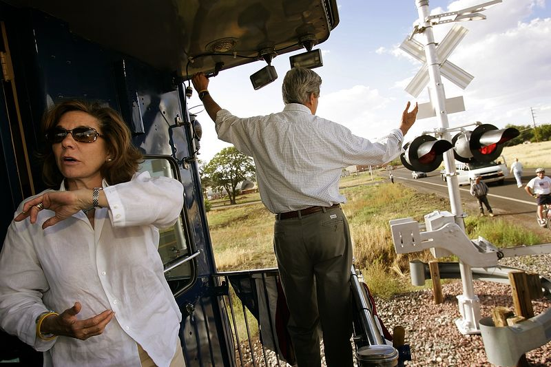 8/9/2004 -- Williams, AZ -- Senator John Kerry and his wife, Teresa Heinz Kerry, rolled out of Williams, AZ on Monday evening after a whistle-stop on the last day of their train tour. Photo by Dina Rudick, The Boston Globe.