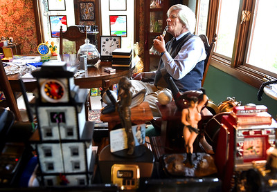 Professor seeks Guinness record for watch collection
