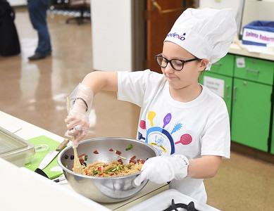 Young chefs compete in cooking contest