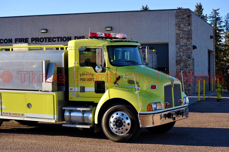 Falcon Fire Tender 362 en route to a wildfire in Ellicott, Colorado.