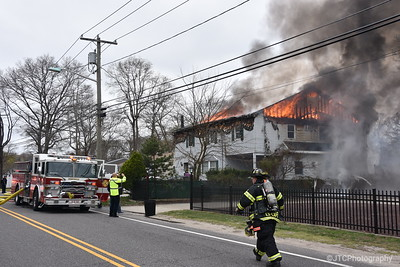 Brentwood Working Fire 04-19-2017