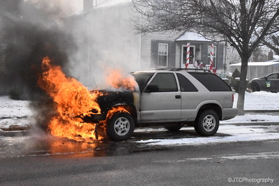 North Massapequa Car Fire 12-31-2017
