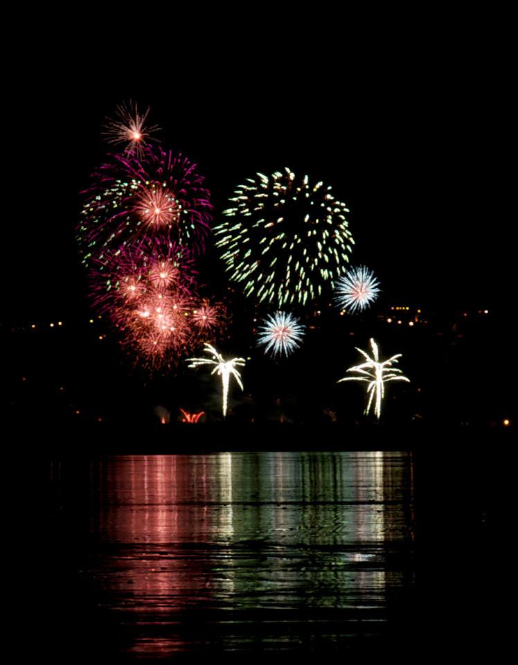 Fireworks_2011-11-05_20-21-57__DSC4672_©RichardLaing(2011)