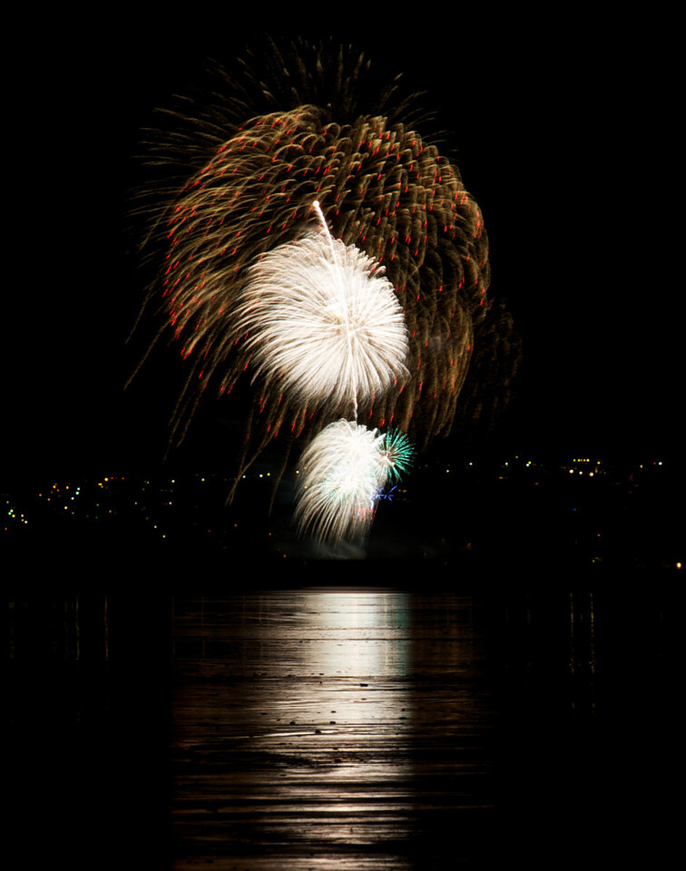 Fireworks_2011-11-05_20-23-38__DSC4681_©RichardLaing(2011)