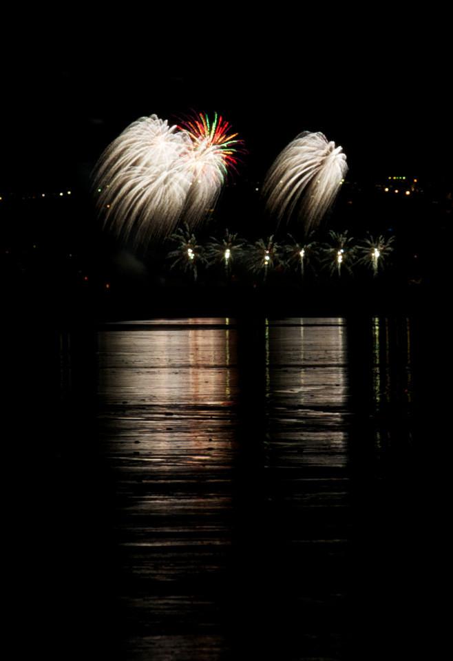 Fireworks_2011-11-05_20-20-54__DSC4667_©RichardLaing(2011)