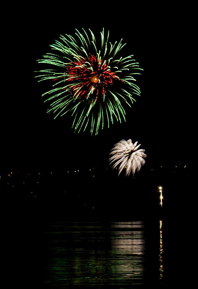 Fireworks_2011-11-05_20-22-46__DSC4676_©RichardLaing(2011)