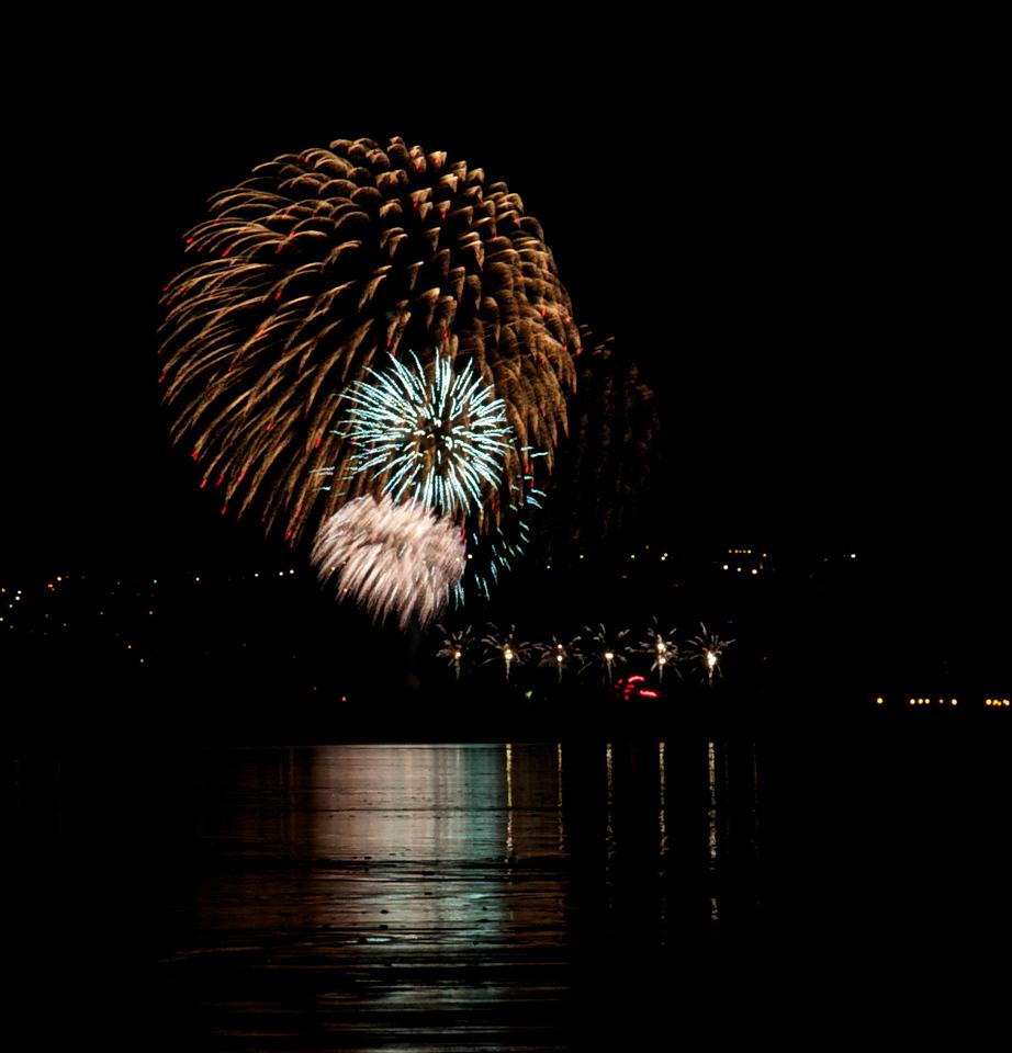 Fireworks_2011-11-05_20-20-41__DSC4666_©RichardLaing(2011)