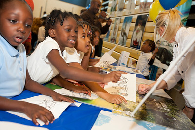 HRH Swedish Prince Daniel, Duke of Västergötland visits Miner Elementary school to promote healthy eating for schoolchildren in Washington, DC on September 26, 2011.