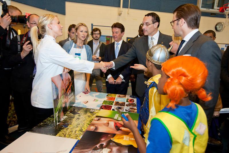 HRH Swedish Prince Daniel, Duke of Västergötland visits Miner Elementary school to promote healthy eating for schoolchildren in Washington, DC on September 26, 2011. With DC Mayor Vince Gray.