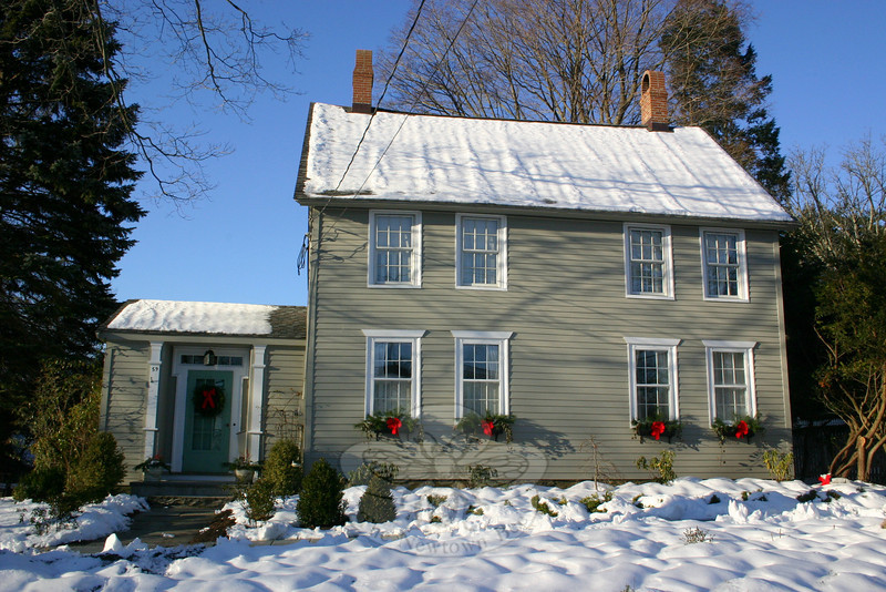 A natural theme permeates the decorations on the home at 58 Main Street, Newtown.  (Hicks photo)