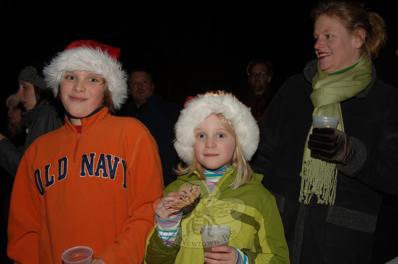 Tree lighting at Ram Pasture on Friday, December 4, 2009.  (Bobowick photo)