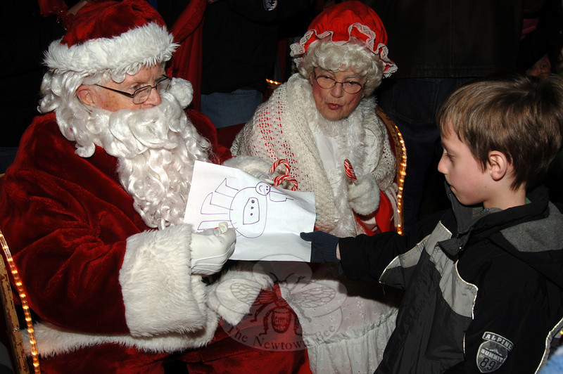 Santa and Mrs Claus were special guests during the tree lighting at Ram Pasture on Friday, December 4, 2009.  (Bobowick photo)