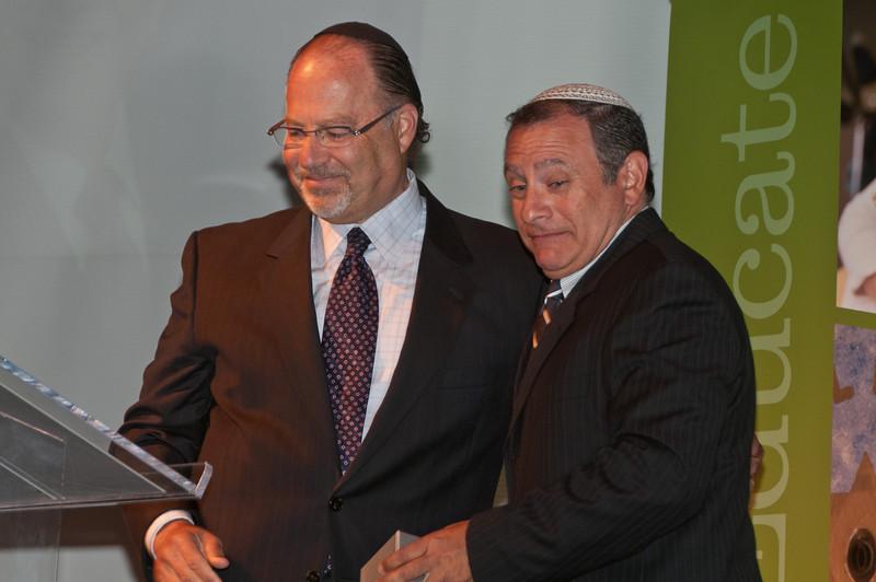 David Butler, Award Meeting Co-Chair (and WJW) gives the Matthew H. Simon Rabbinical Award to Rabbi Joel Tessler (Senior Rabbi of Beth Sholom in Potomac).