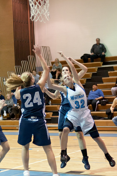 Rachel Sisco drives in for a layup.