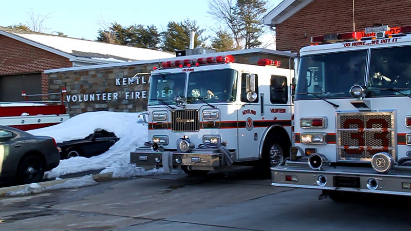 Kentland Engine 833 turns out for a Local Alarm.