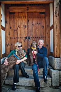 untitled-52562013-02-02_Gahoe-dong_Paul_MrsColeman_dogs_Doorway_vert