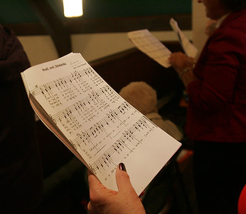 4OCT09  The Choir performs at the last mass at Lorain's Ss Cyril & Methodius; some of the hymns are in Slovenian.        photo by Chuck Humel