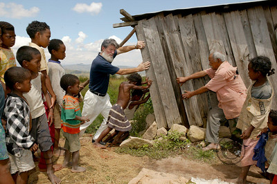 Madagascar 2003  Padre Pedro in the village he built for the poor people  ©Didier BAVEREL