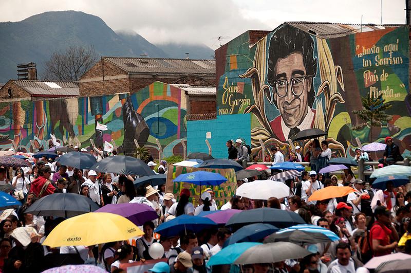 La multitudinaria marcha contó con la participación de aproximadamente 30 000 personas en Bogotá (El Tiempo). <br /> © Leonardo Villamizar
