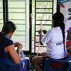 En la misma actividad, en el marco del intercambio de saberes, otras mujeres de MEMPA tejieron pulseras de colores y según sus tradiciones culturales.