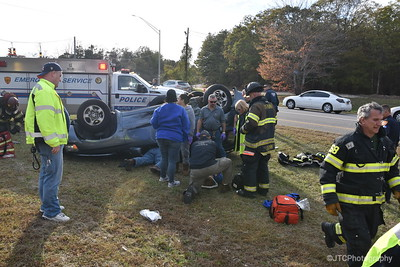 Yaphank MVA Overturn Partial Ejection 10-29-2016