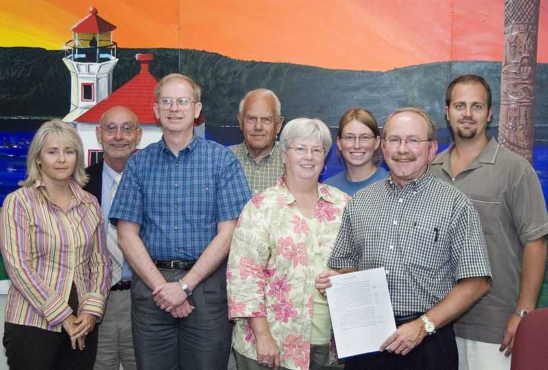Mukilteo City Council presents a united front: all council members were unanimous in their support of Mayor Don Doran's initiative to create an interlocal agreement  to prohibit  commercial air service at Paine Field.