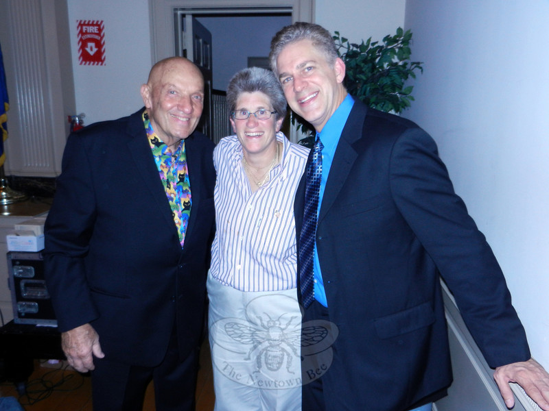 Billy Fellows, left, with Sherri Baggett, event organizer, and Steve Bruner, comedian and comic writer. Mr Fellows headlined and Mr Bruner offered a special opening performance for Newtown Scholarship Association on September 20. (R. Scudder Smith photo)