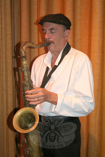 """Wayne Keenan has been playing jazz for nearly four decades, and still finds enjoyment in the music. """"You don't make much money doing this,"""" he said with a laugh a few weeks ago. """"You have to really love it to stick with it."""" Mr Keenan will be headlining a performance in Edmond Town Hall's Alexandria Room on August 11, timed to coincide with his annual visit to New England and to continue the celebration of his second album, called Blue-Out.   (Hicks photo)"""