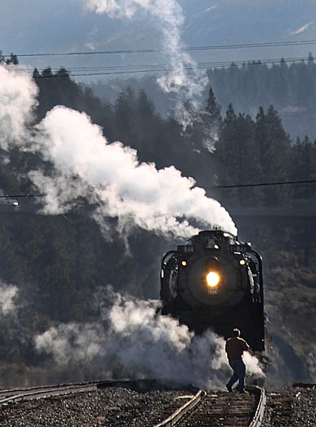 The Union Pacific Railroad's 844 steam locomotive, the rail lines' last operational steam engine, passes through Truckee, Calif., April 17, 2009 on a 32-day 4-state goodwill tour.    (AP Photo/Dino Vournas)