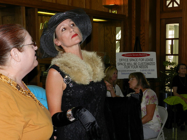 Andrea Wilcoxen portrays Sarah Bernhardt at the gala.